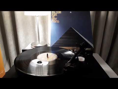 Inside the Great Pyramid - Paul Horn mp3