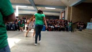 Shuffle contest at Littlerock High [California] . read discription