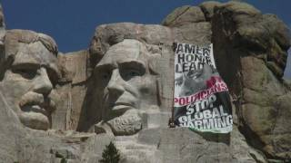 Obama on Mt Rushmore? Greenpeace Banner Calls for Global Warming Leadership
