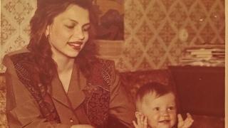 Красивая песня про Маму ..