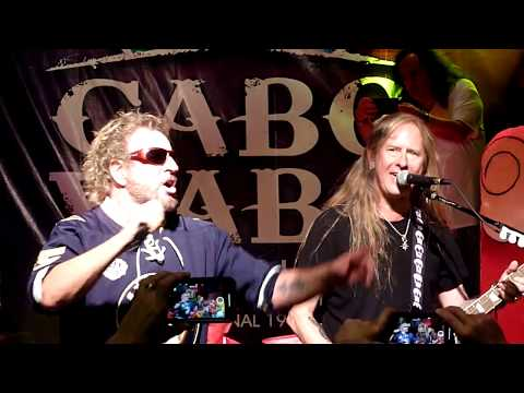 Dana McKenzie -  Watch SAMMY HAGAR And JERRY CANTRELL Perform ALICE IN CHAINS
