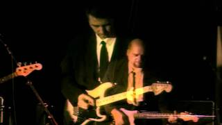 The Mustangs - Live at the Sunhouse (song: Two Guitars)