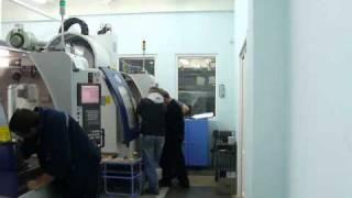 Рабочие будни наладчиков станков с ЧПУ | © 2011