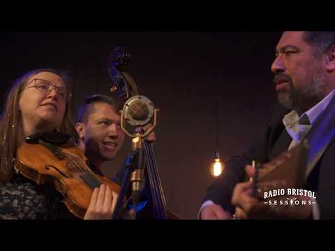 "Jeff Scroggins & Colorado - ""Headin' West""- Radio Bristol Sessions"