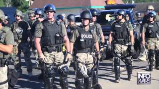 USA - Ferguson: Polizei in Armeemontur gegen die Bevölkerung