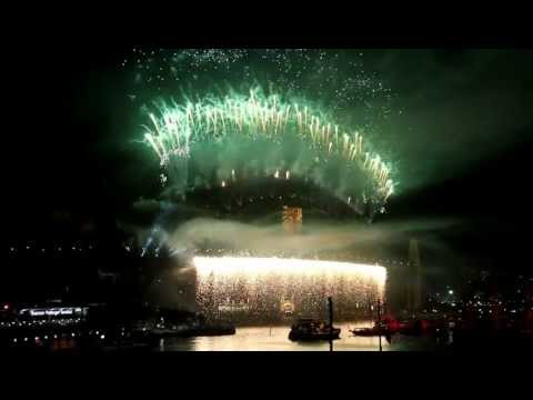 2013 Fireworks Sydney New Year. Watch from 1min26 HD Finale Kylie Minogue