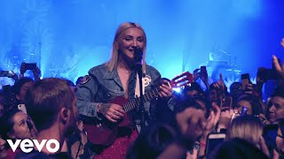 Gambar cover Julia Michaels - Apple (Live On The Honda Stage At House Of Blues Chicago)