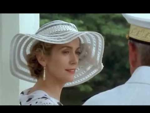 Catherine Deneuve - Elle est d'ailleurs
