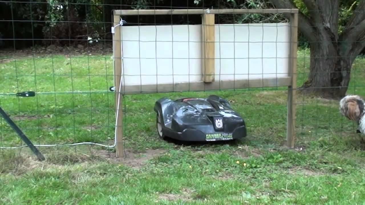 husqvarna robot tondeuse automower gestion du passage. Black Bedroom Furniture Sets. Home Design Ideas