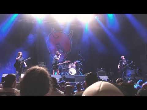 Satanic surfers LIVE @ Punk Rock Holiday 1.8 w/ Rodrigo on Drums
