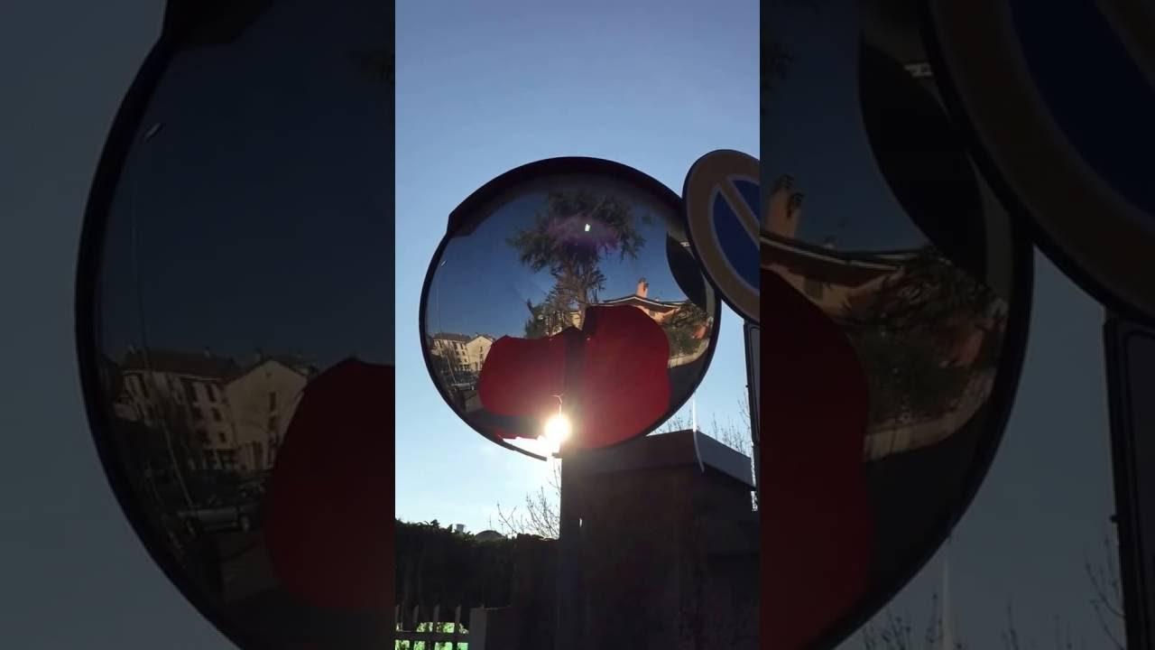 Cesate specchio parabolico stradale rotto youtube - Specchio parabolico stradale normativa ...