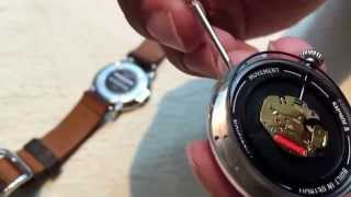 How to replace the watch battery on a Shinola Runwell