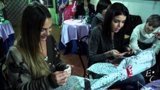 Sarah e Veronica scartano i regali - Prima Parte