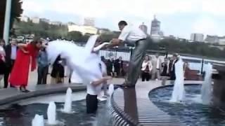 СУПЕР падение невесты!!! Чего она туда полезла