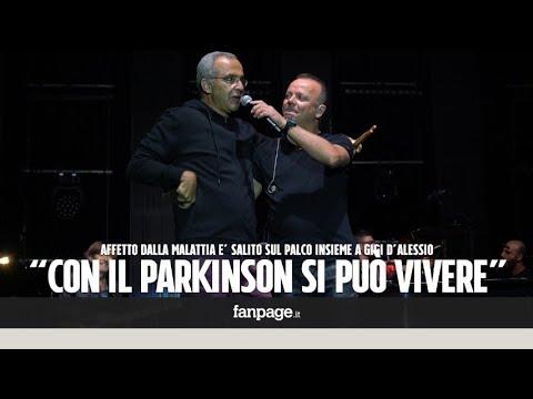 Francesco, malato di Parkinson, canta con Gigi D'Alessio: