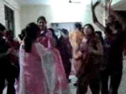 bangladeshi-xxx-gp-sexy-girls-fucking-in-the-locker-rooms