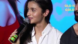 शरेआम आलिआ ने बोले मनचले बोल  || Alia Bhatt Embarrassing Moments