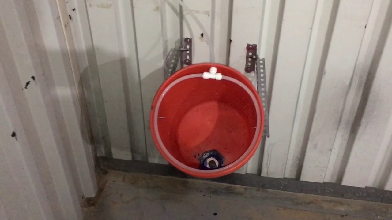 Red neck urinal