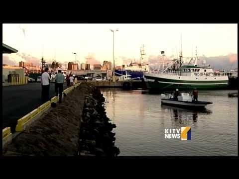 Honolulu Harbor molasses spill spreads