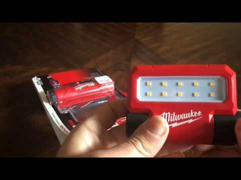 Milwaukee USB Rechargeable ROVER Pivoting Flood Light 2114-21P Review