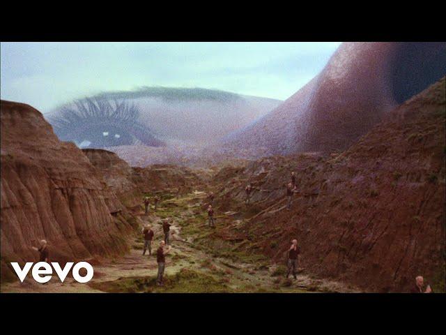 Trevor Daniel, Selena Gomez - Past Life (Official Video)