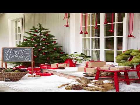 Stunning Christmas Front Door Décor Ideas