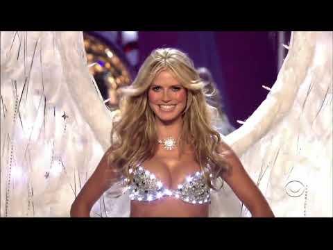 Victoria's Secret Fashion Show-Heidi Klum All Walks
