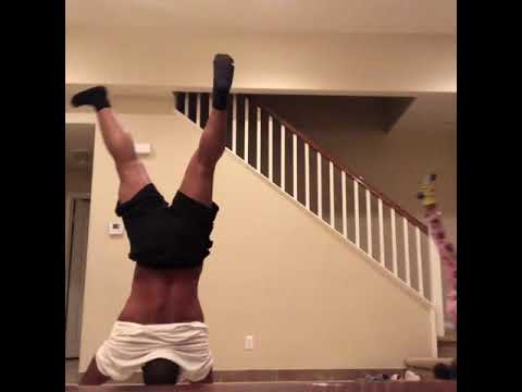 Pablo - Girl Defeats Dad in Handstand Challenge