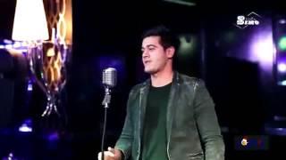 Кто знает как зовут этого певца?