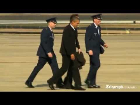 Barack Obama and David Cameron fly to basketball game