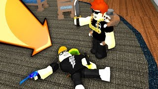 FALSO CORPO TROLLING YOUTUBERS!! (Roblox MM2)