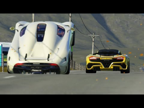 Hennessey Venom F5 vs Koenigsegg Regera at Highlands