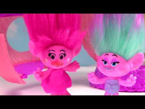 Trolls Movie Poppy Branch Get Bad Hair Cuts & Toys at Hair Salon | Fizzy Toy Show