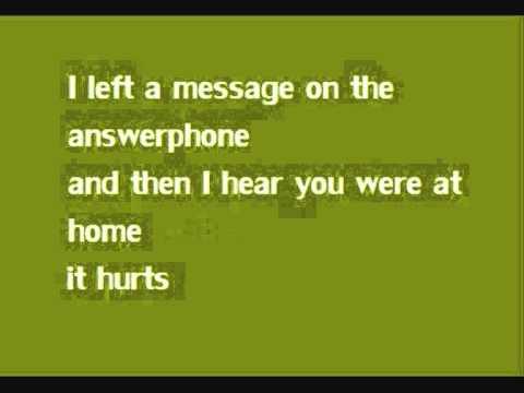 Mariha - It hurts [Lyrics]