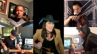 "Under The Covers - Terri Clark Performs ""...Baby One More Time"" by Britney Spears"