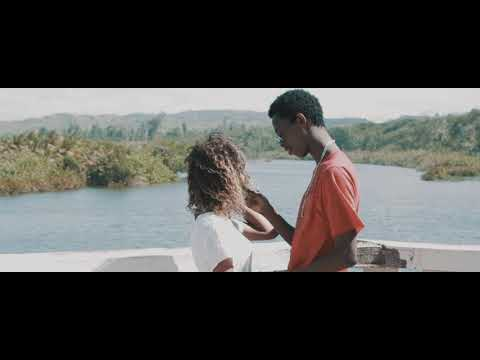 Docteur Love Feat Braqui's  Tsisy maresy anao  Official Clip Video