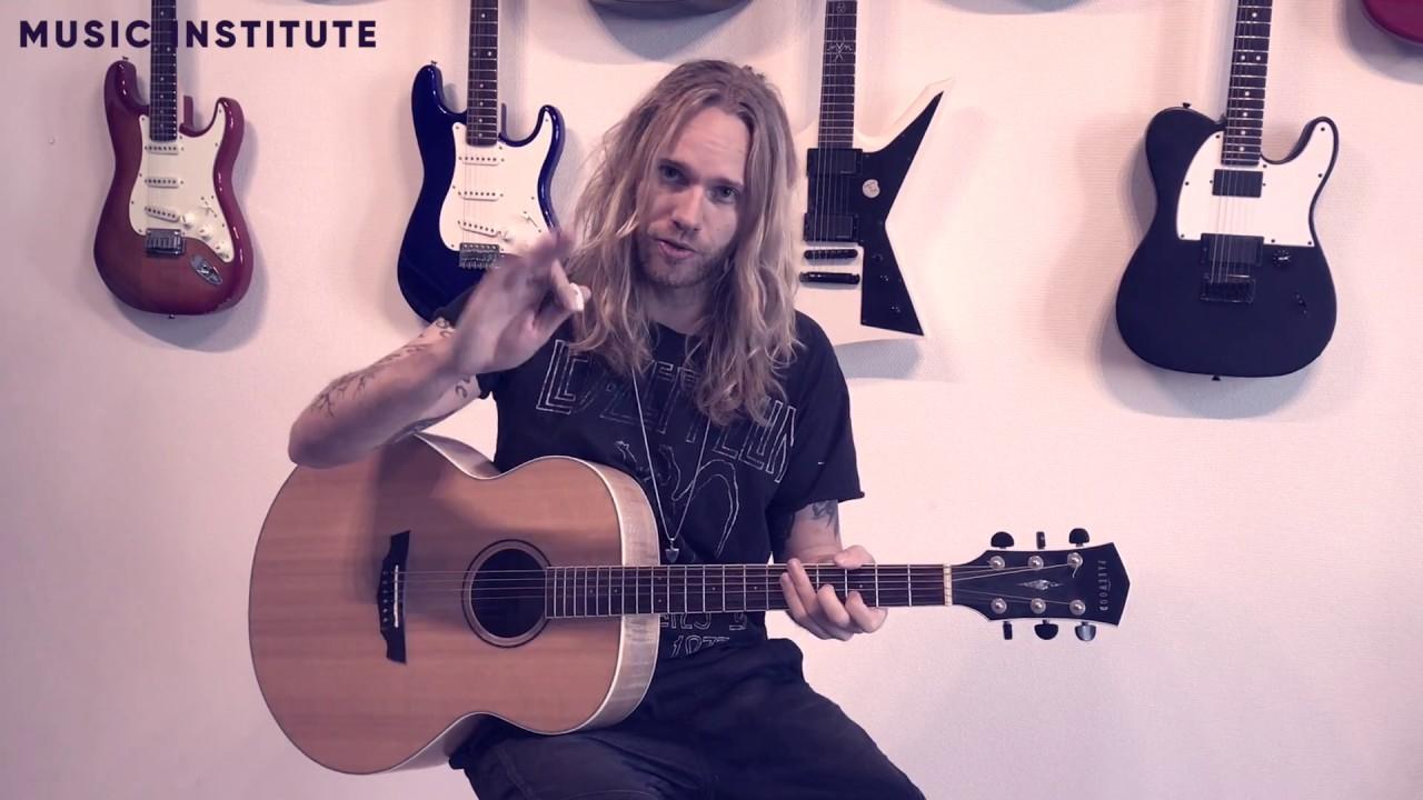 Lær at spille guitar 2/10 (DEL 1)  - Stem din guitar | Music Institute