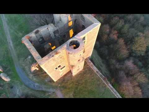 DJi Phantom 4 Pro Drone im Rundflug um Burg Arnstein