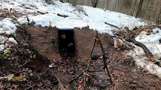 WINTER CAMPING in UNDERĠROUND BUNKER - WAKE UP in SNOWSTORM - BUSHCRAFT - Emergency Survival Shelter