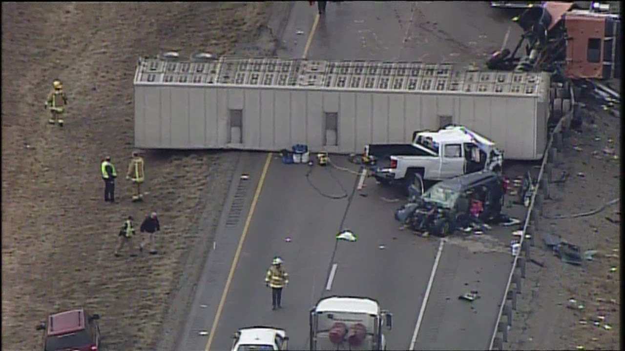 Chopper 9 flies over scene of fatal wreck on I-71 near KY 14/Walton exit