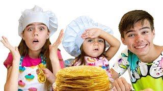 Настя и Мия хотят быть как мама - готовят блины для Артёма