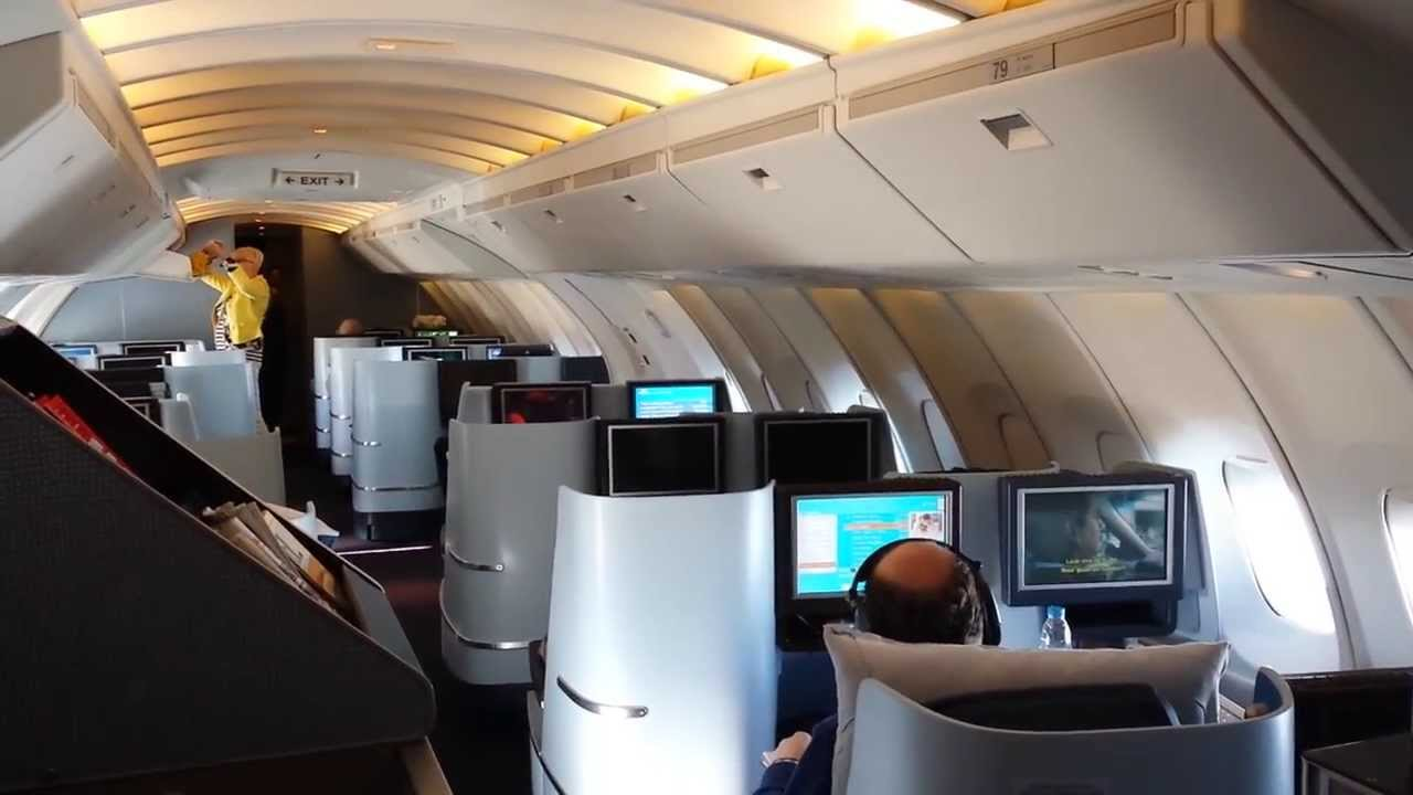 Klm 747 New Upper Deck City Of Johannesburg Youtube