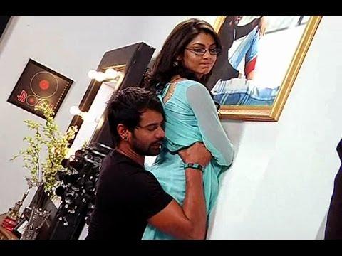 Abhi & Pargya Enjoying Love Time in Their Bedroom | Kumkum Bhagya 24th March 2015 Full Episode |