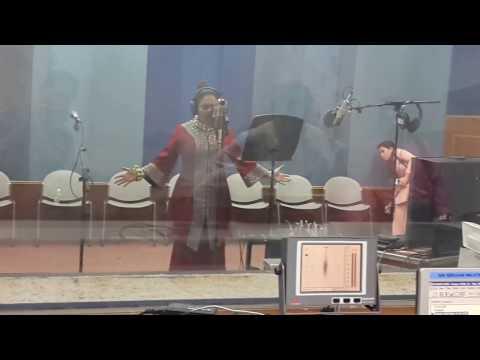 AZHARINA AZHAR-SEKIAN TERIMA KASIH dalam studio