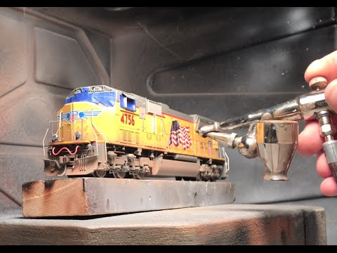 TIME LAPSE – Weathering an HO Model Railroad Locomotive