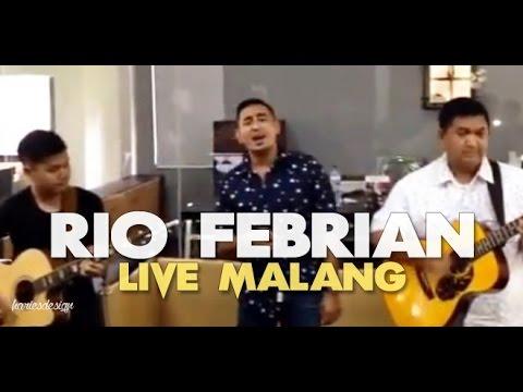 Rio Febrian - Aku Bertahan | Live Kapanlagi.com Office Malang