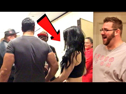 PAIGE HATES ME! CRINGIEST FAIL EVER AT LEGENDS OF THE RING! MEETING AMAZING SUPERSTARS!