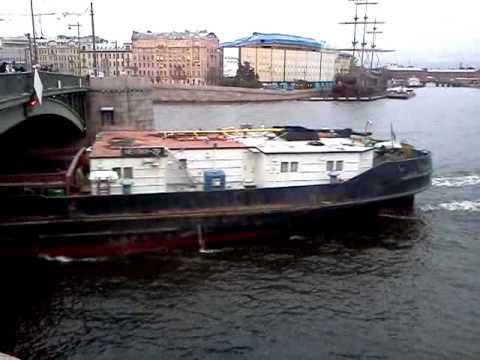 Перевозка воды из Ладоги в Финский залив