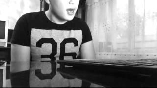 Парень из Казахстана читает рэп