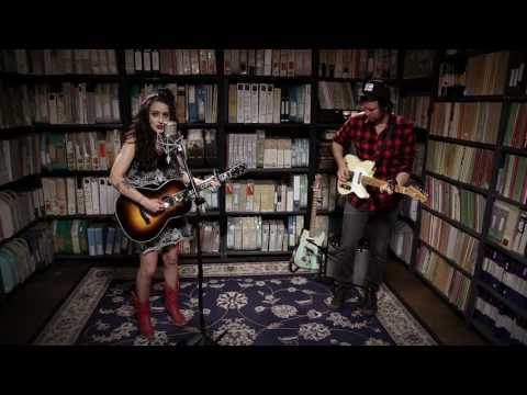 Lindi Ortega - Til the Goin' Gets Gone - 6/19/2017 - Paste Studios, New York, NY